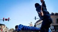 شلاق زدن یک زندانی در ملأ عام