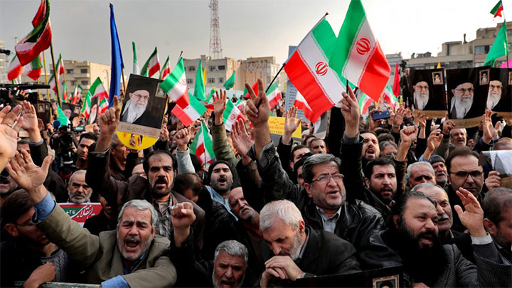 نگاهی به جمهوری اسلامی و تلنگری به خود ..
