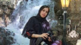 Arrest of Zahra Kaabi after photographing the mothers of those killed in November 2019